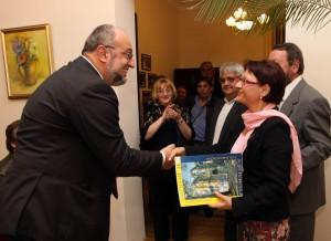 Връчване на наградата на проф. дфн Диана Иванова